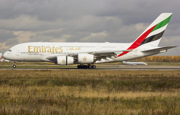 A6-EUE - Emirates Airlines Airbus A380