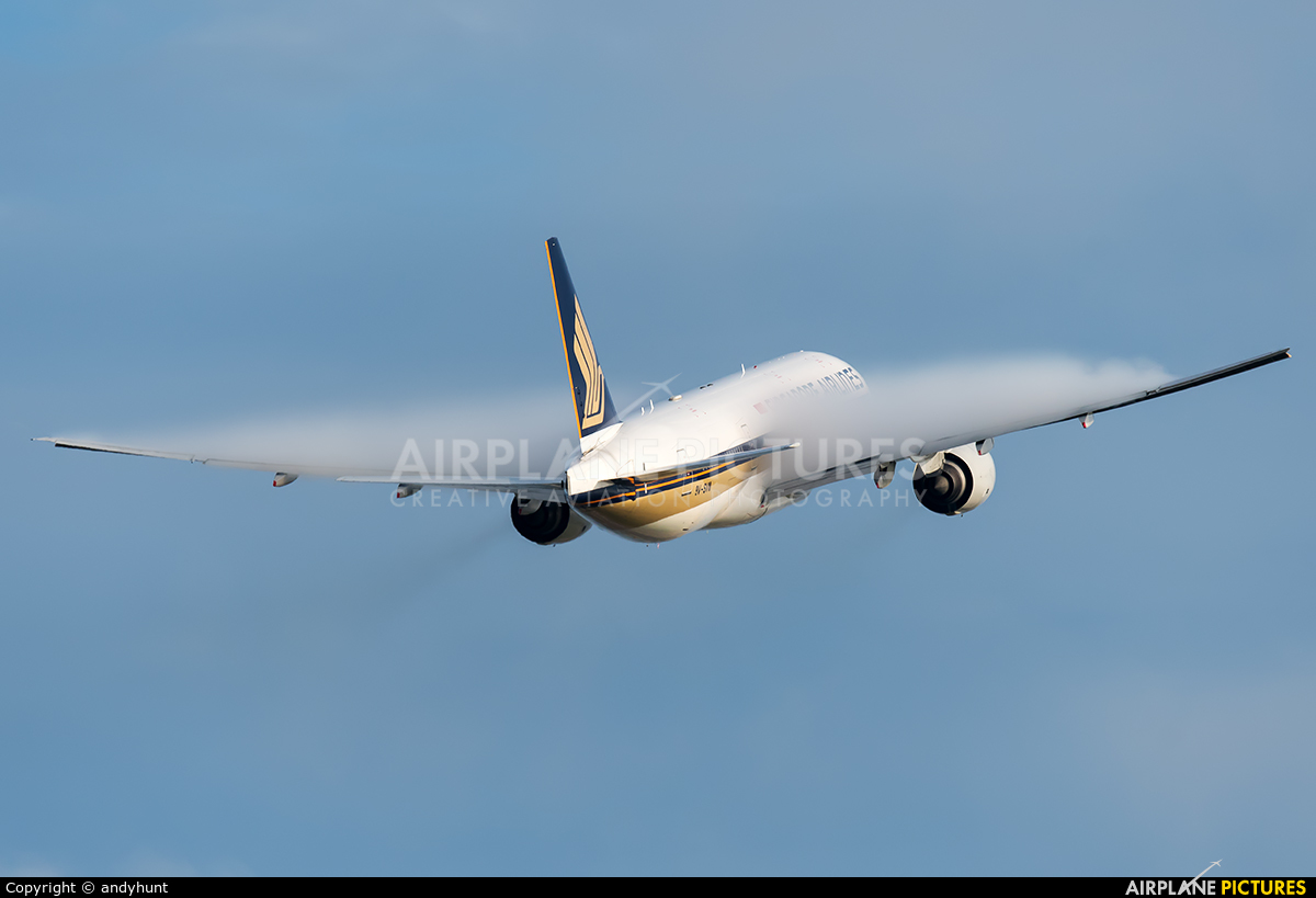 Singapore Airlines 9V-SVM aircraft at Singapore - Changi