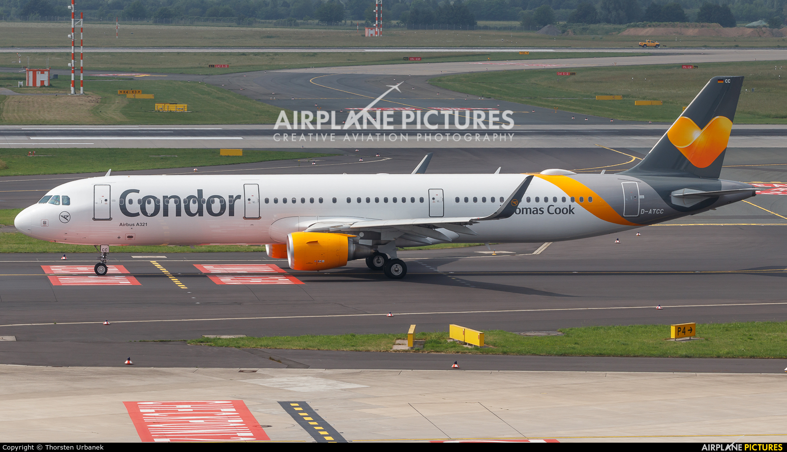 Condor D-ATCC aircraft at Düsseldorf