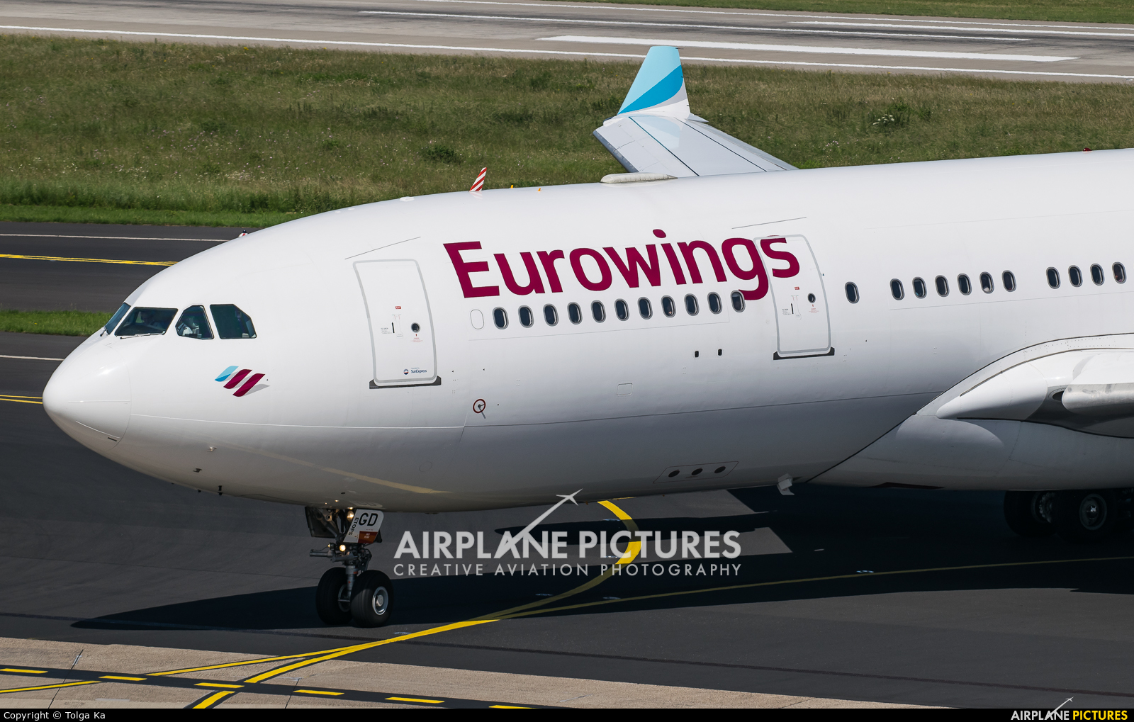 Eurowings D-AXGD aircraft at Düsseldorf
