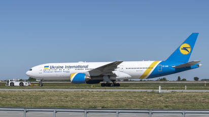 UR-GOB - Ukraine International Airlines Boeing 777-200ER