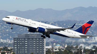 N823DX - Delta Air Lines Boeing 757-200WL