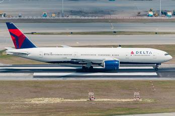 N860DA - Delta Air Lines Boeing 777-200ER