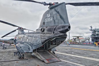 150954 - USA - Navy Boeing HH-46D Sea Knight