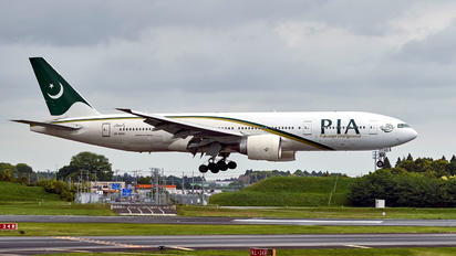 AP-BHX - PIA - Pakistan International Airlines Boeing 777-200ER