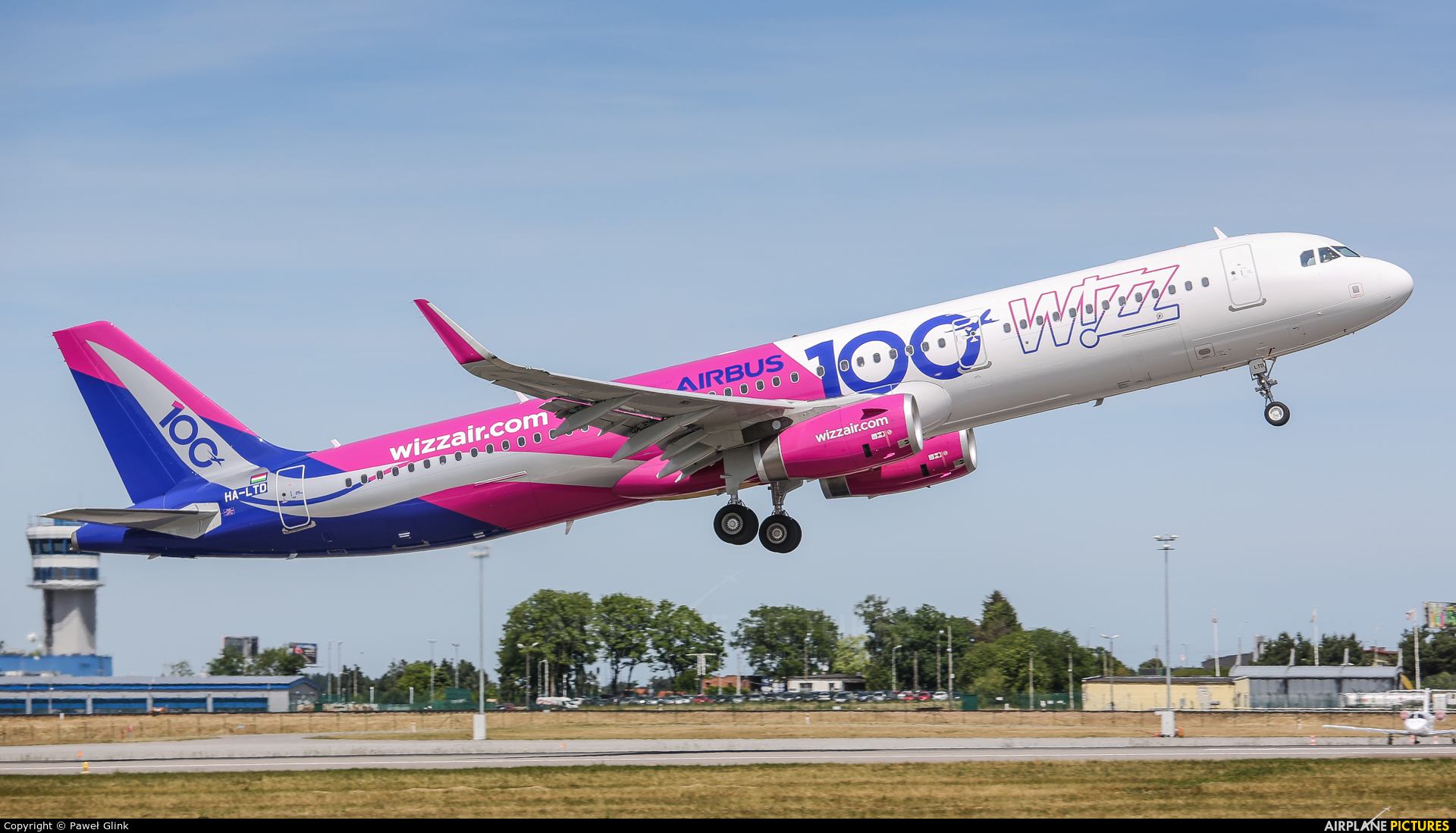 Wizz Air HA-LTD aircraft at Gdańsk - Lech Wałęsa