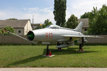 813 - Hungary - Air Force Mikoyan-Gurevich MiG-21F-13