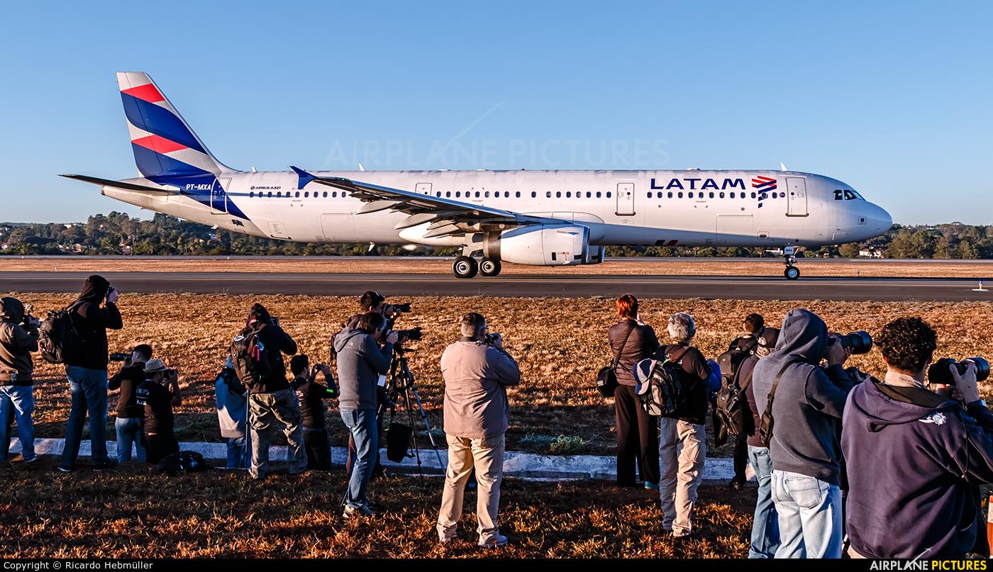 TAM PT-MXA aircraft at Brasília - Presidente Juscelino Kubitschek Intl