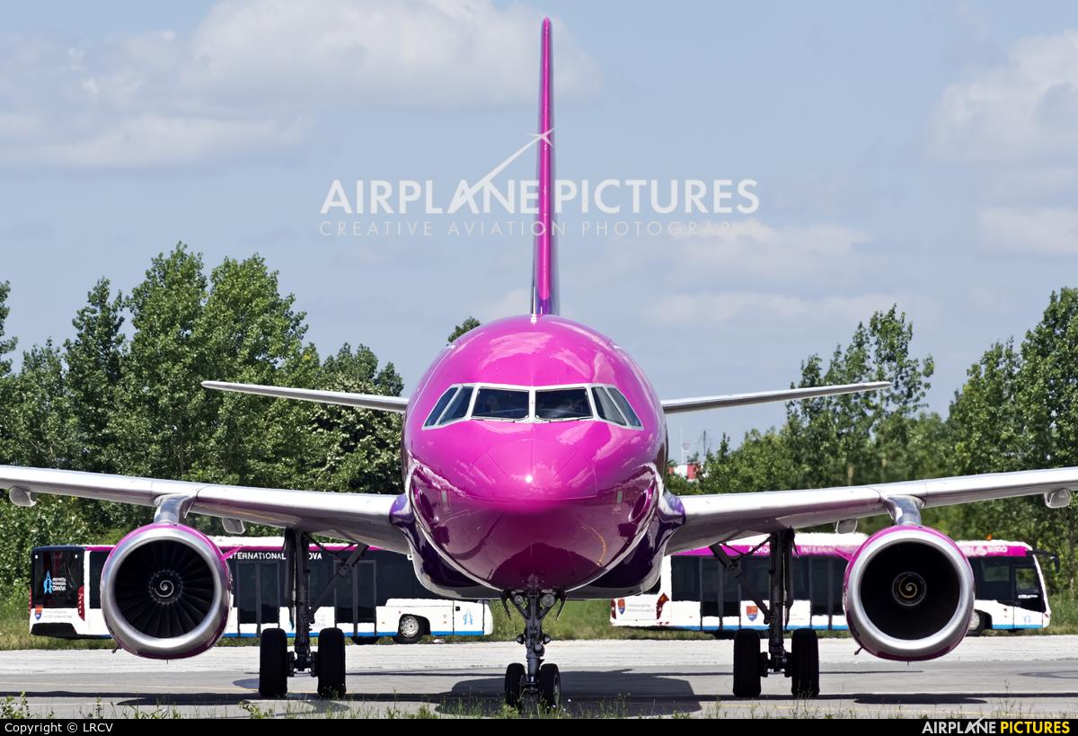 Wizz Air HA-LPN aircraft at Craiova
