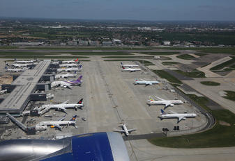 - - British Airways - Airport Overview - Apron