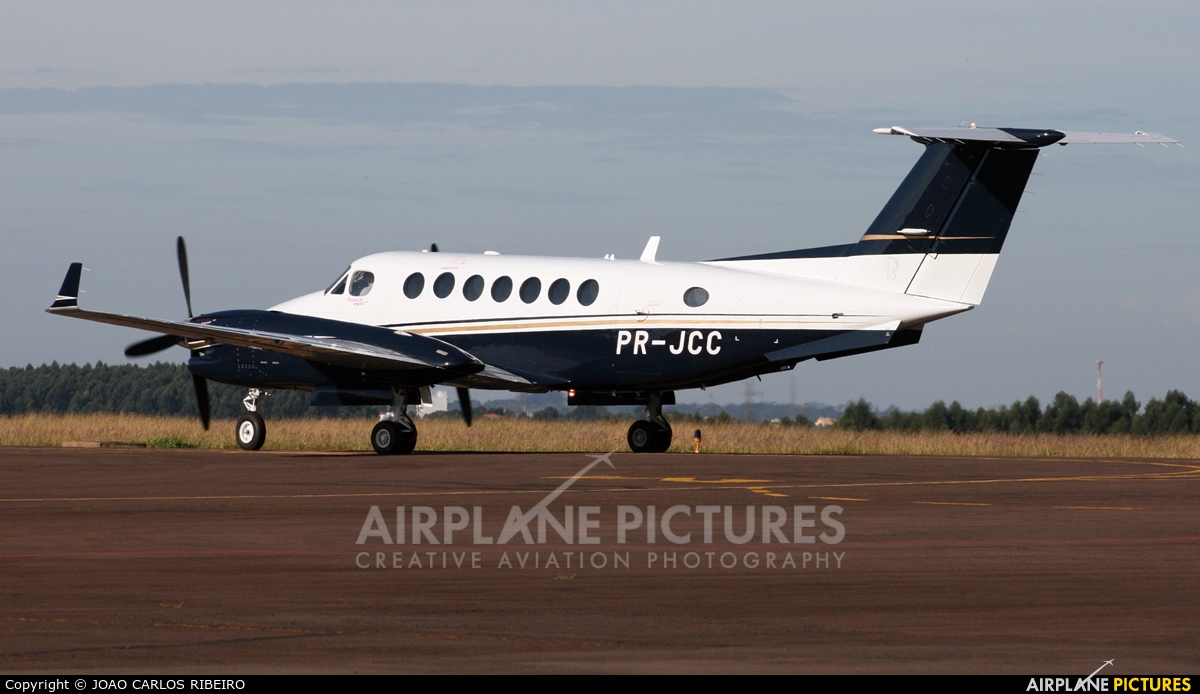 Private PR-JCC aircraft at Municipal Airport Cascavel