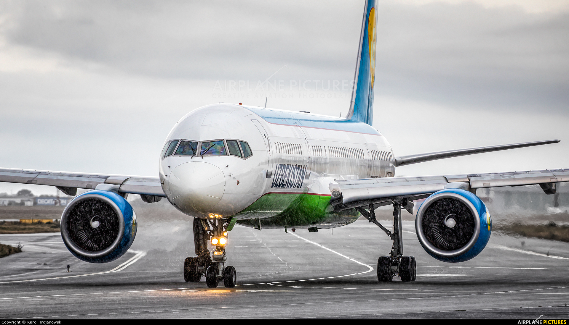 Uzbekistan Airways UK75703 aircraft at Warsaw - Frederic Chopin