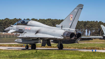 ZJ807 - Royal Air Force Eurofighter Typhoon T.3
