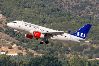 OY-KBP - SAS - Scandinavian Airlines Airbus A319