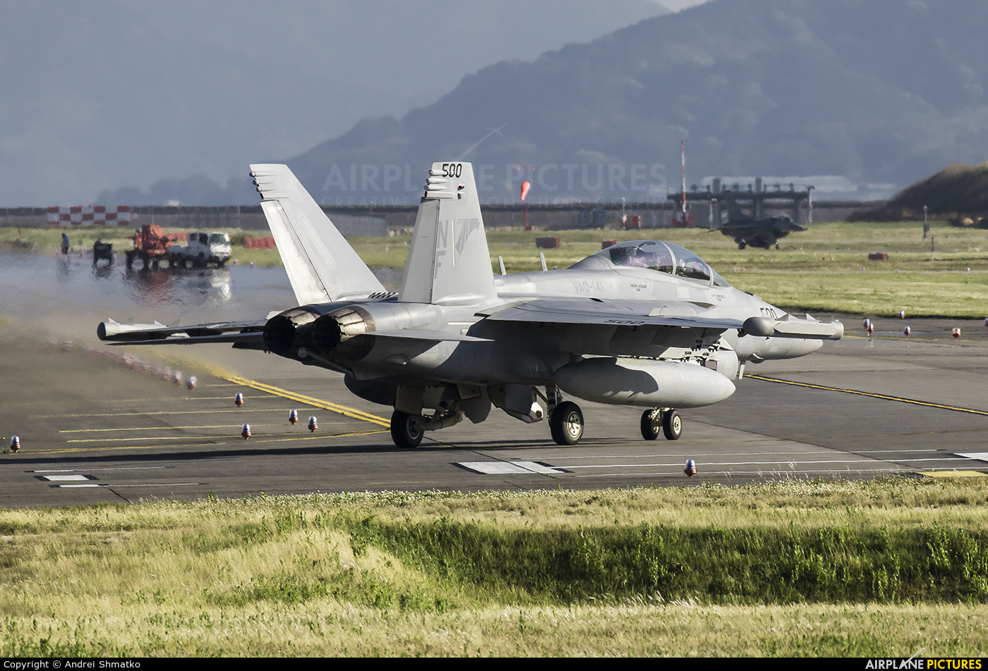 USA - Navy 168893 aircraft at Iwakuni MCAS