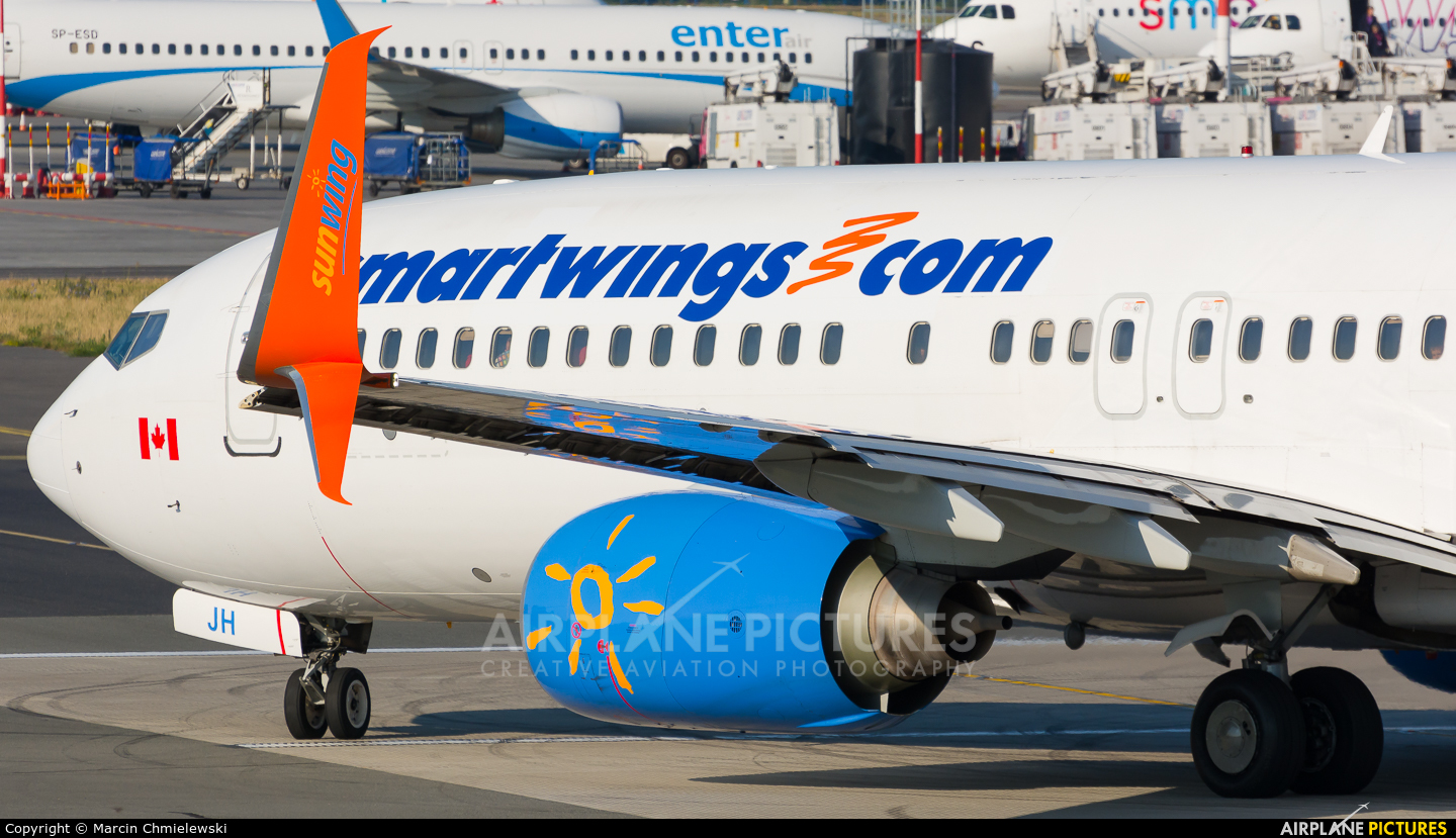Sunwing Airlines C-FTJH aircraft at Warsaw - Frederic Chopin