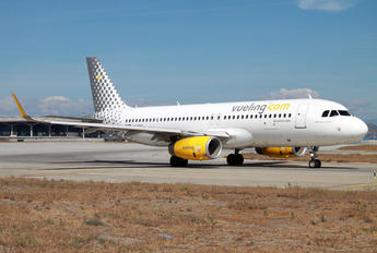 EC-MKN - Vueling Airlines Airbus A320