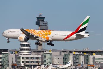 A6-ENR - Emirates Airlines Boeing 777-300ER