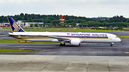 9V-SCD - Singapore Airlines Boeing 787-10 Dreamliner