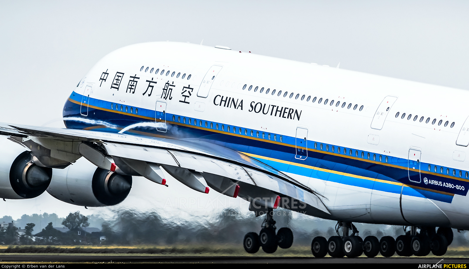 China Southern Airlines B-6136 aircraft at Amsterdam - Schiphol