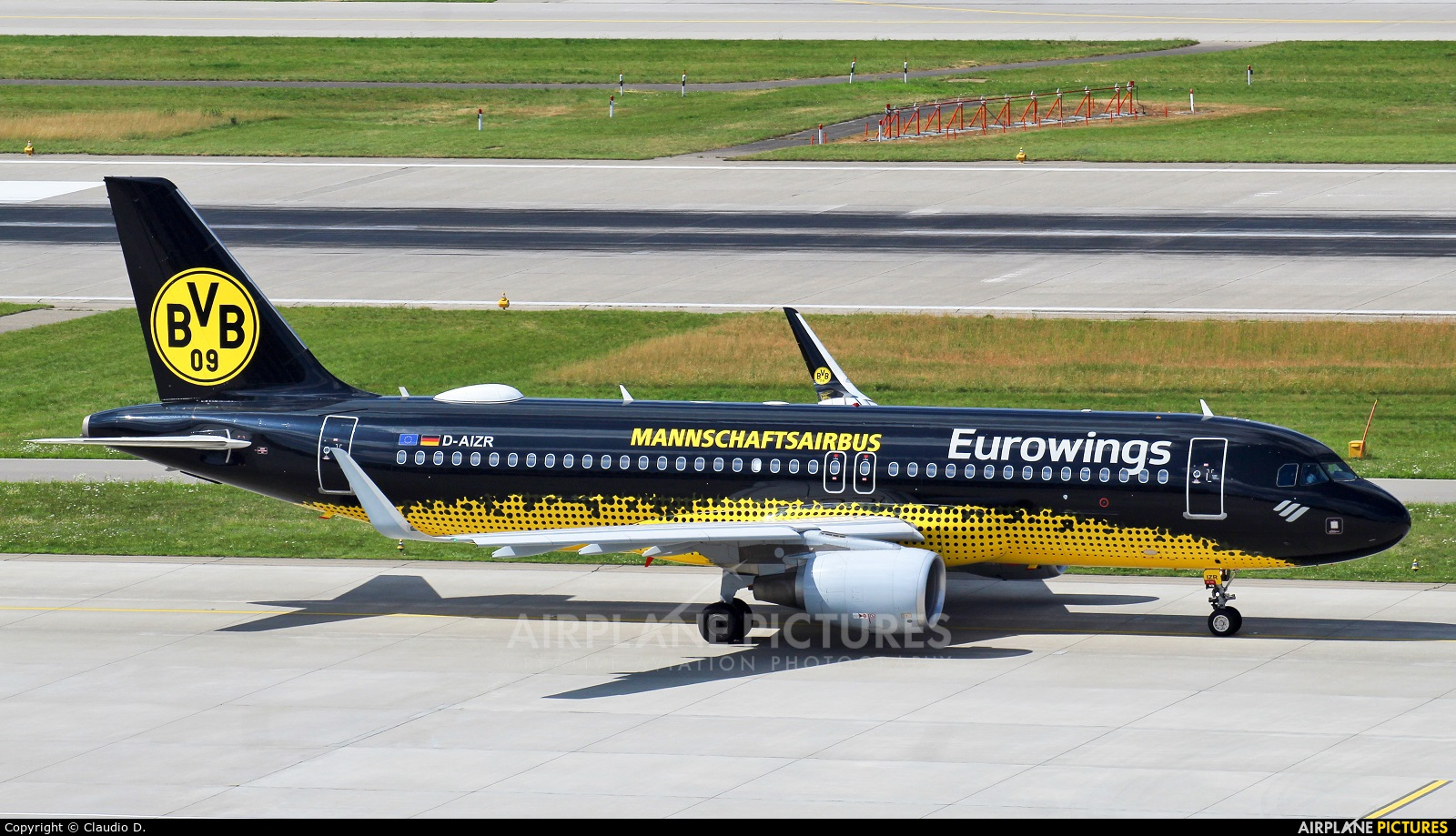 Eurowings D-AIZR aircraft at Zurich