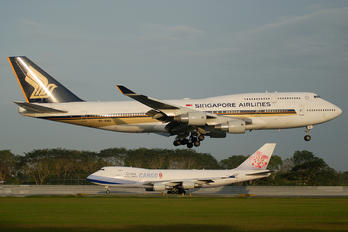 9V-SMS - Singapore Airlines Boeing 747-400