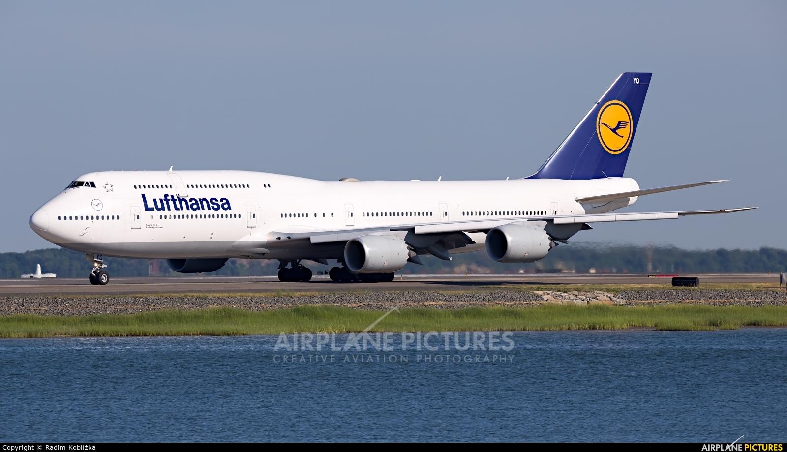 Lufthansa D-ABYQ aircraft at Boston - General Edward Lawrence Logan Intl