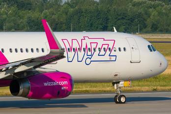 HA-LXJ - Wizz Air Airbus A321