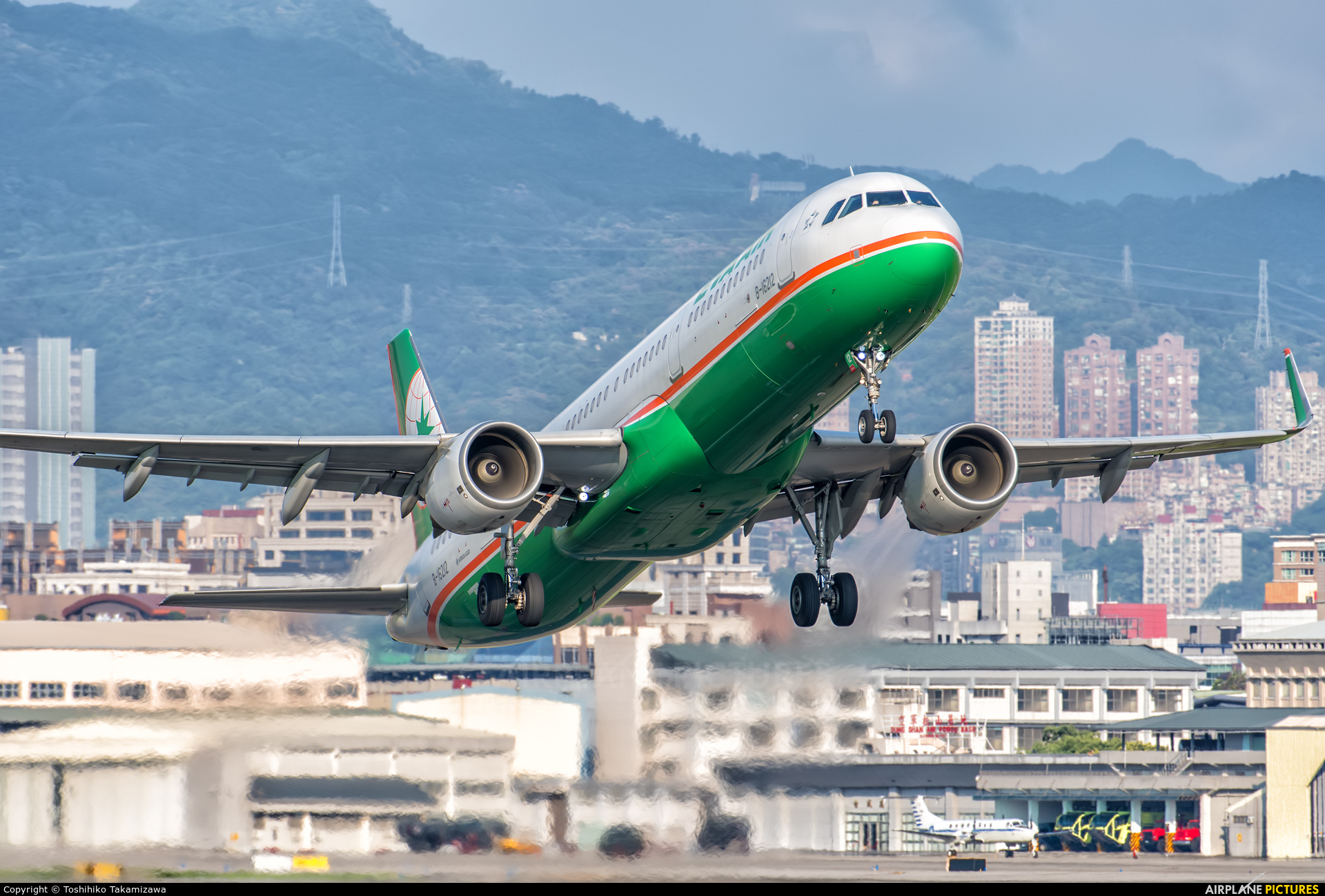 Eva Air B-16212 aircraft at Taipei Sung Shan/Songshan Airport