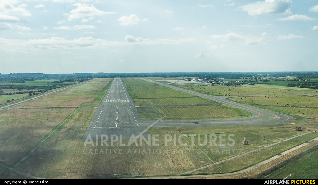 - Airport Overview - aircraft at Brescia - Montichiari