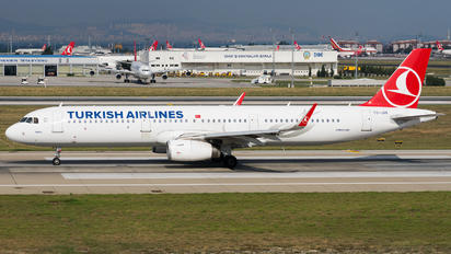 TC-JSS - Turkish Airlines Airbus A321