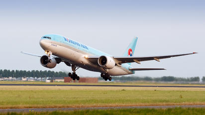 HL7526 - Korean Air Boeing 777-200ER