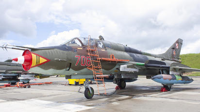 706 - Poland - Air Force Sukhoi Su-22UM-3K
