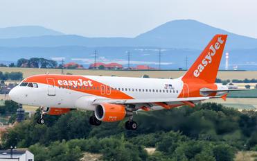 OE-LQU - easyJet Europe Airbus A319