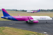 HA-LTE - Wizz Air Airbus A321 aircraft