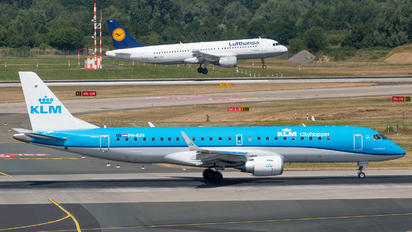 PH-EXV - KLM Cityhopper Embraer ERJ-190 (190-100)