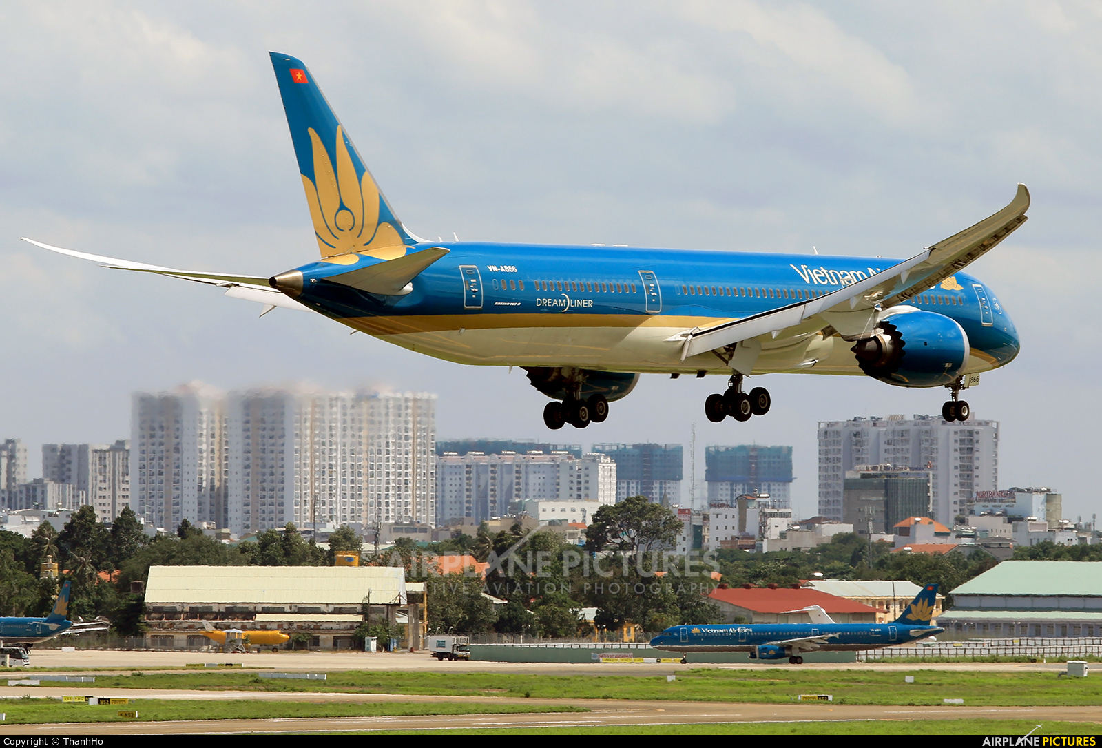 Vietnam Airlines VN-A866 aircraft at Ho Chi Minh City - Tan Son Nhat Intl