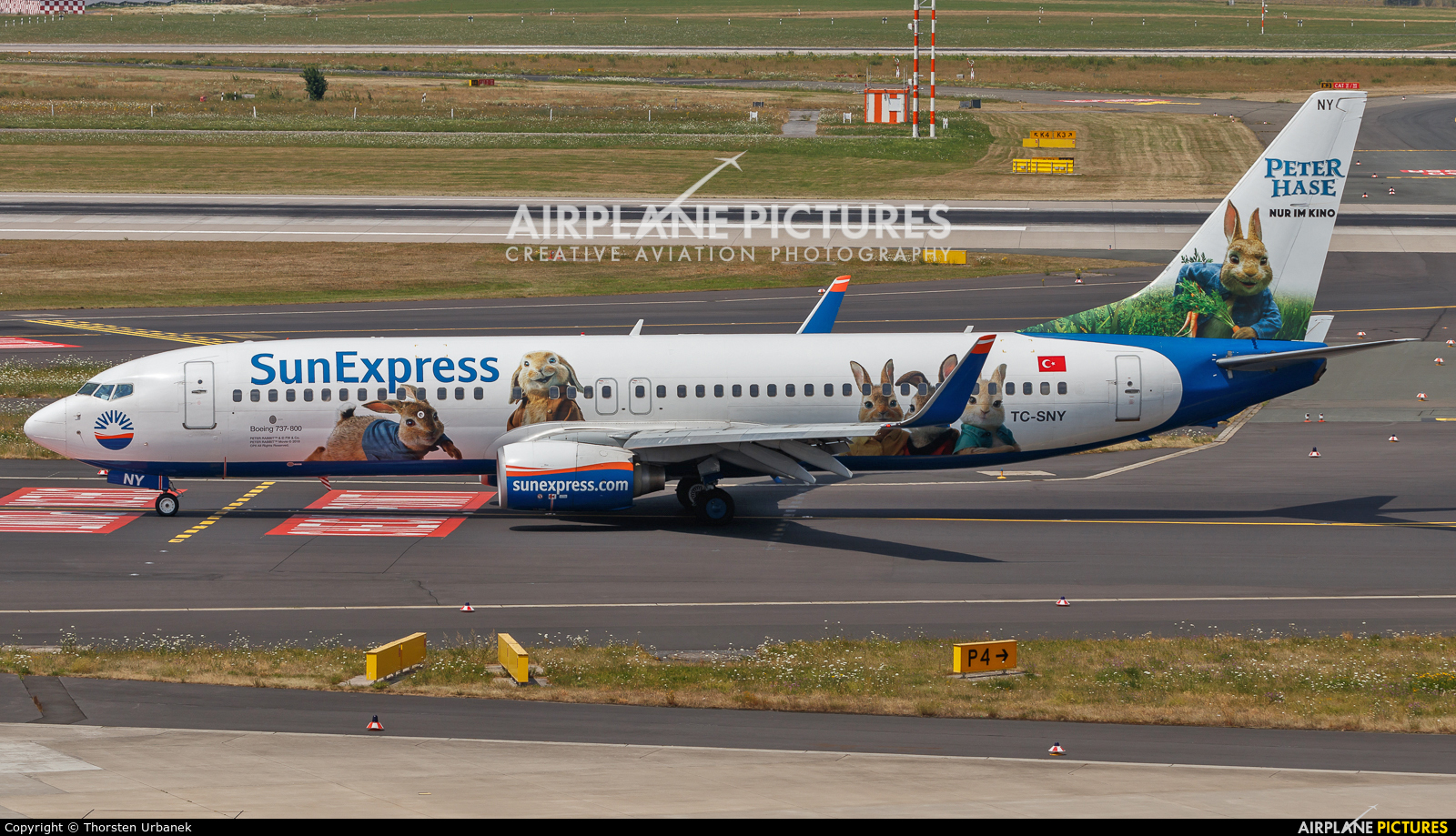 SunExpress TC-SNY aircraft at Düsseldorf