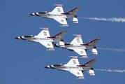 - - USA - Air Force : Thunderbirds Lockheed Martin F-16C Fighting Falcon aircraft