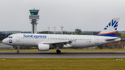 LY-VEW - Avion Express Airbus A320