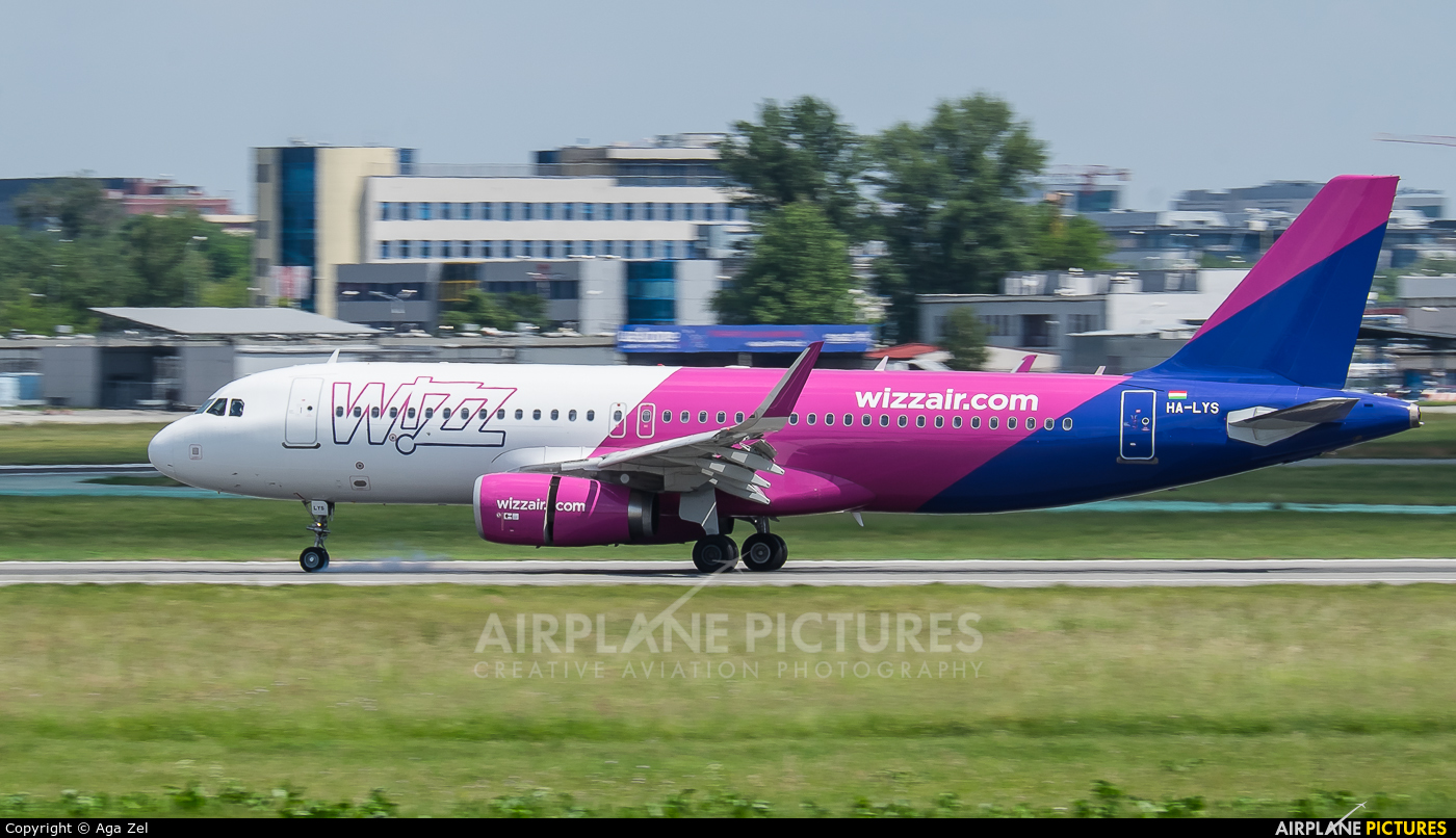 Wizz Air HA-LYS aircraft at Warsaw - Frederic Chopin