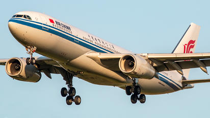 B-6090 - Air China Airbus A330-200