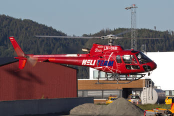 LN-OAB - Heli-Team Aerospatiale AS350 Ecureuil / Squirrel