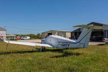 F-GHTY - Private Piper PA-28 Arrow