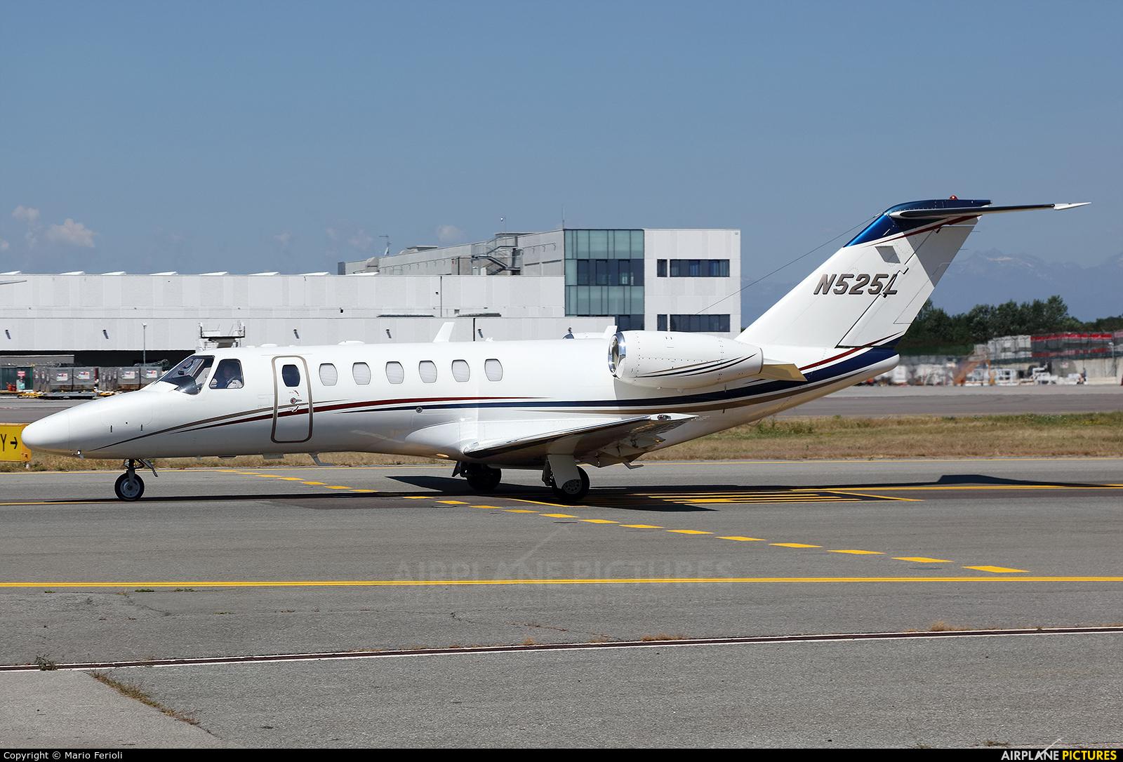 Private N525L aircraft at Milan - Malpensa