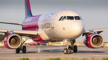 HA-LWK - Wizz Air Airbus A320 aircraft
