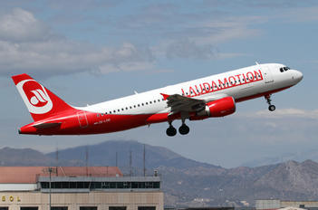 OE-LOG - LaudaMotion Airbus A320