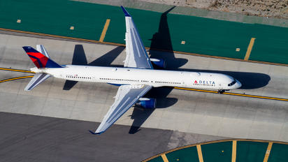 N591NW - Delta Air Lines Boeing 757-300