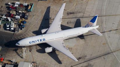 N779UA - United Airlines Boeing 777-200ER