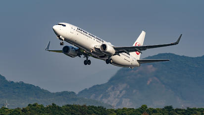 JA327J - JAL - Japan Airlines Boeing 737-800